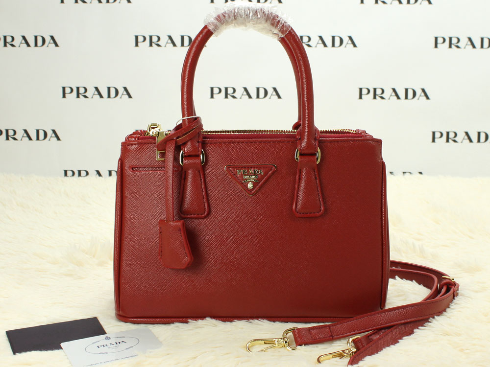 CollectionBatam | Tas Prada Saffiano Taiga 28 Double-Zip ...
